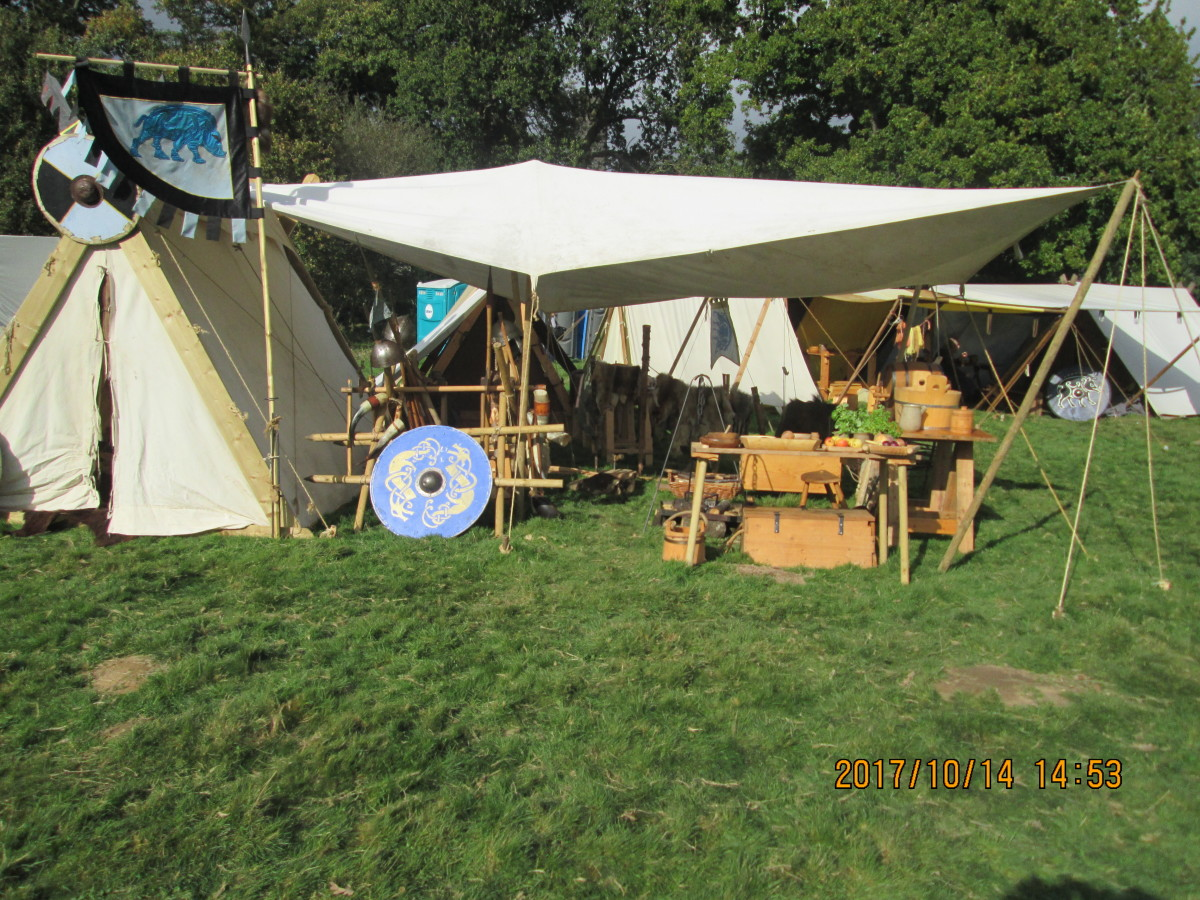 The 'Hildsvin' group's canvas stall with spare shield and spears ready for when there's a lull in the fighting. There was a break in fighting, called for by William and agreed by Harold, to see to the wounded, feed and water the horses and men