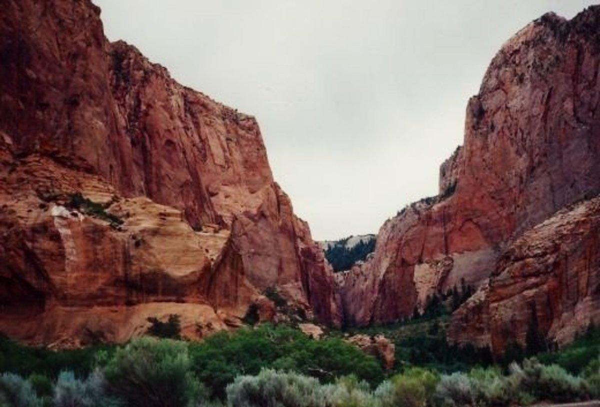 Amazing Zion National Park in Utah: See Monolithic Domed Splendor!