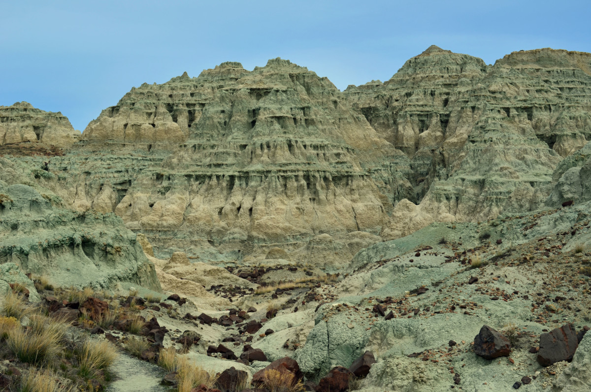 Hiking In Central Oregon - The Blue Basin Trails