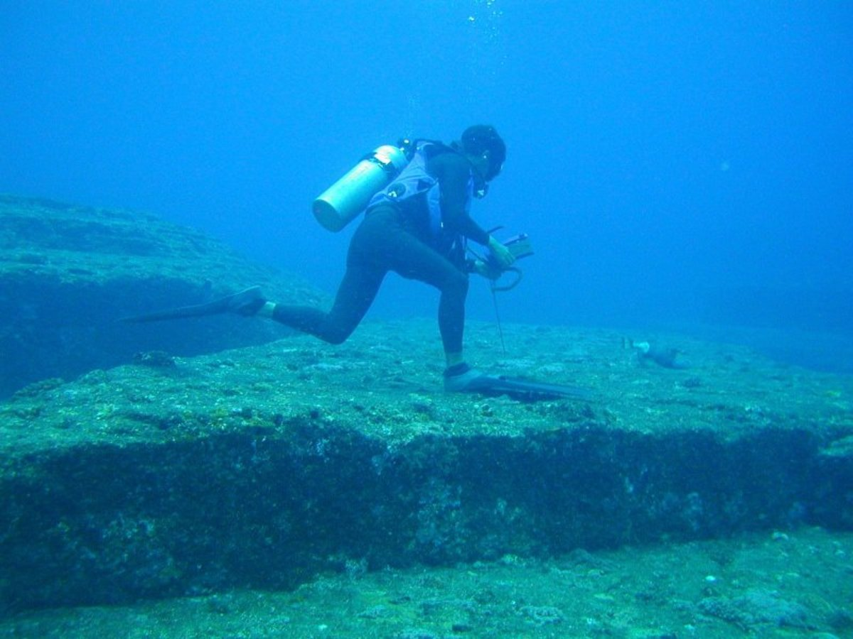 Pyramids Underwater - Japan