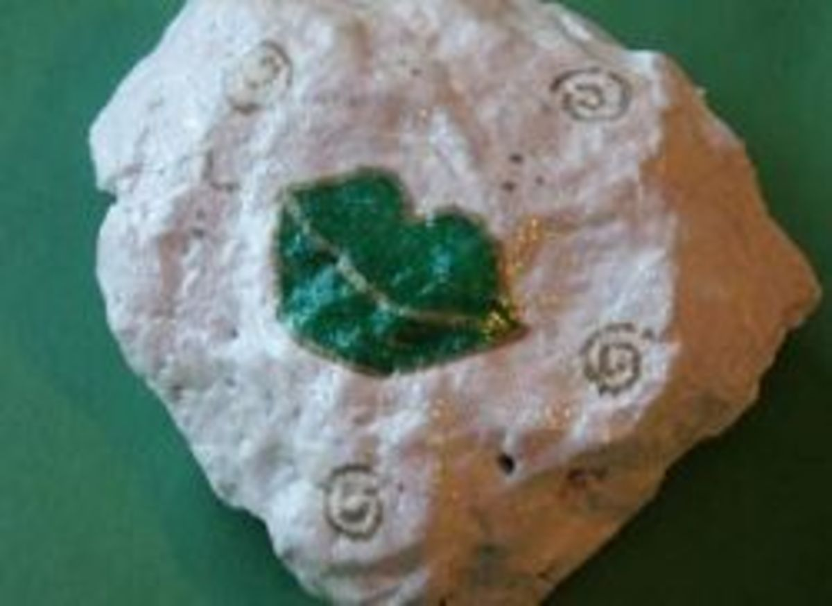 Blarney Stone Craft Image Credit: http://crafts.kaboose.com/kissed-blarney-stone.html