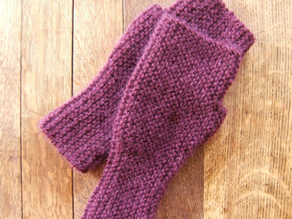 Fingerless garter stitch mittens.