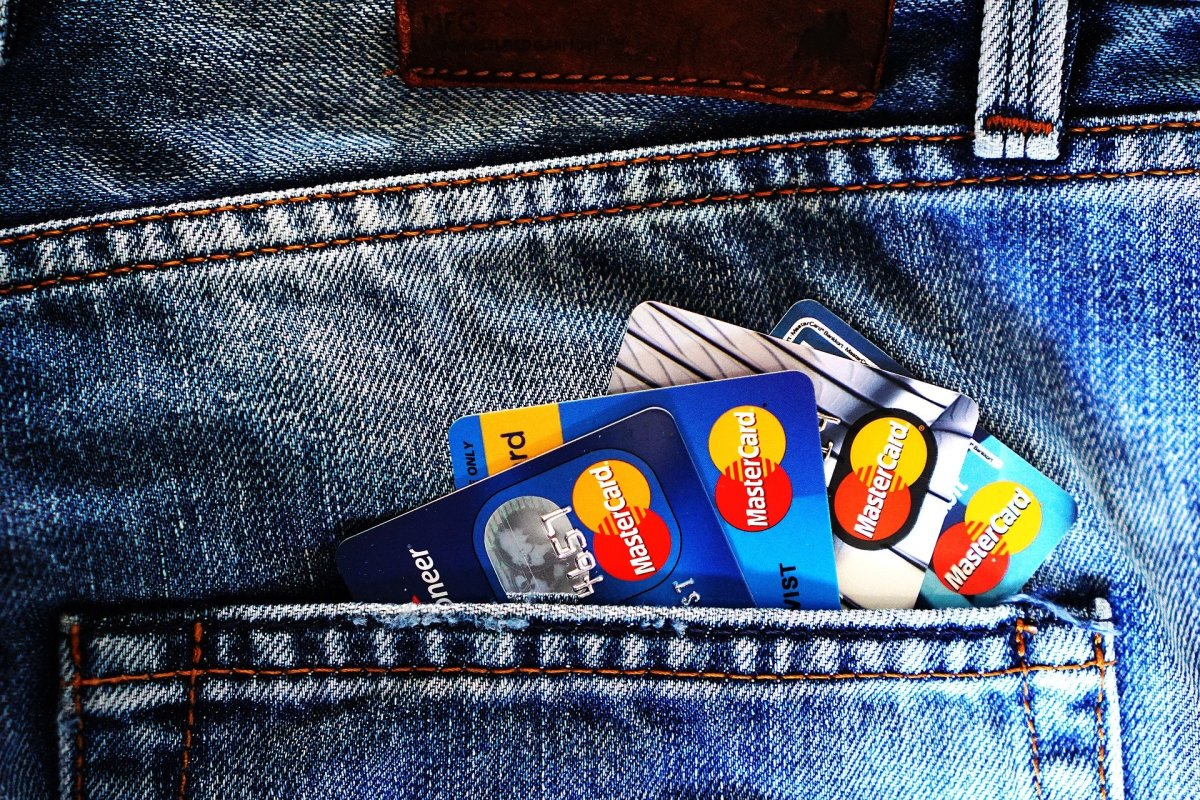 should-you-pay-your-mortgage-with-a-credit-card-to-earn-miles