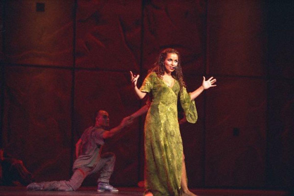 nddp-costume-esmeralda-green