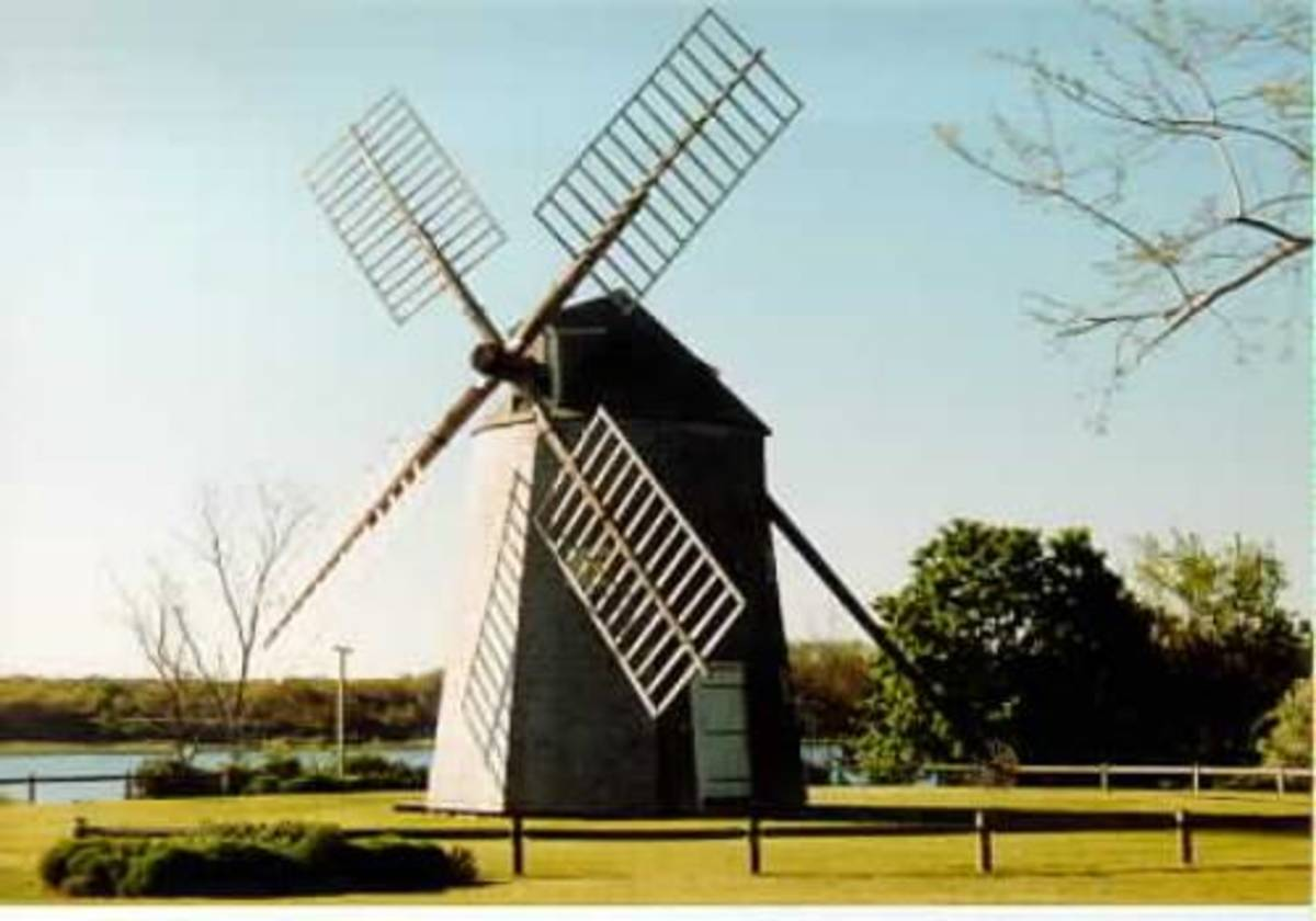 The windmill is stunning, but the surrounding area is much more so, and the view of the river is classic Cape Cod.