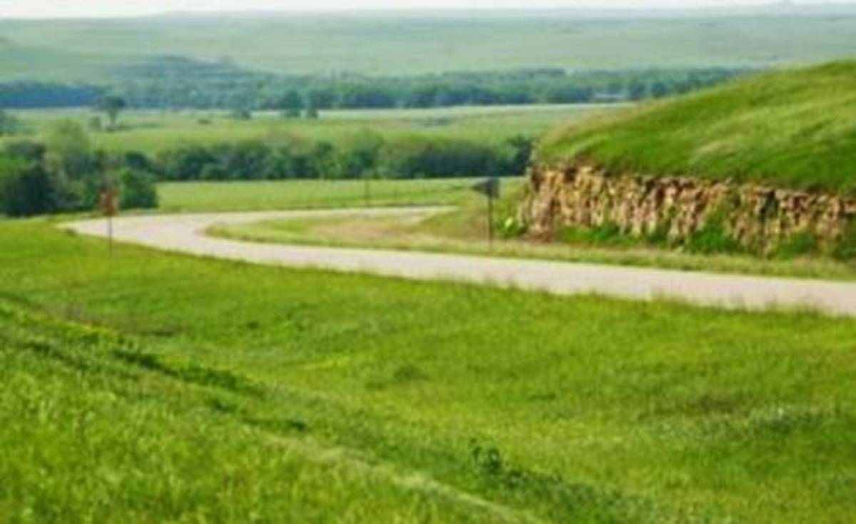 The Kansas starts with wide-open fields and unobstructed views of rolling hills blanketed with lush prairie grasses, wildflowers, and the wonderful horizon.