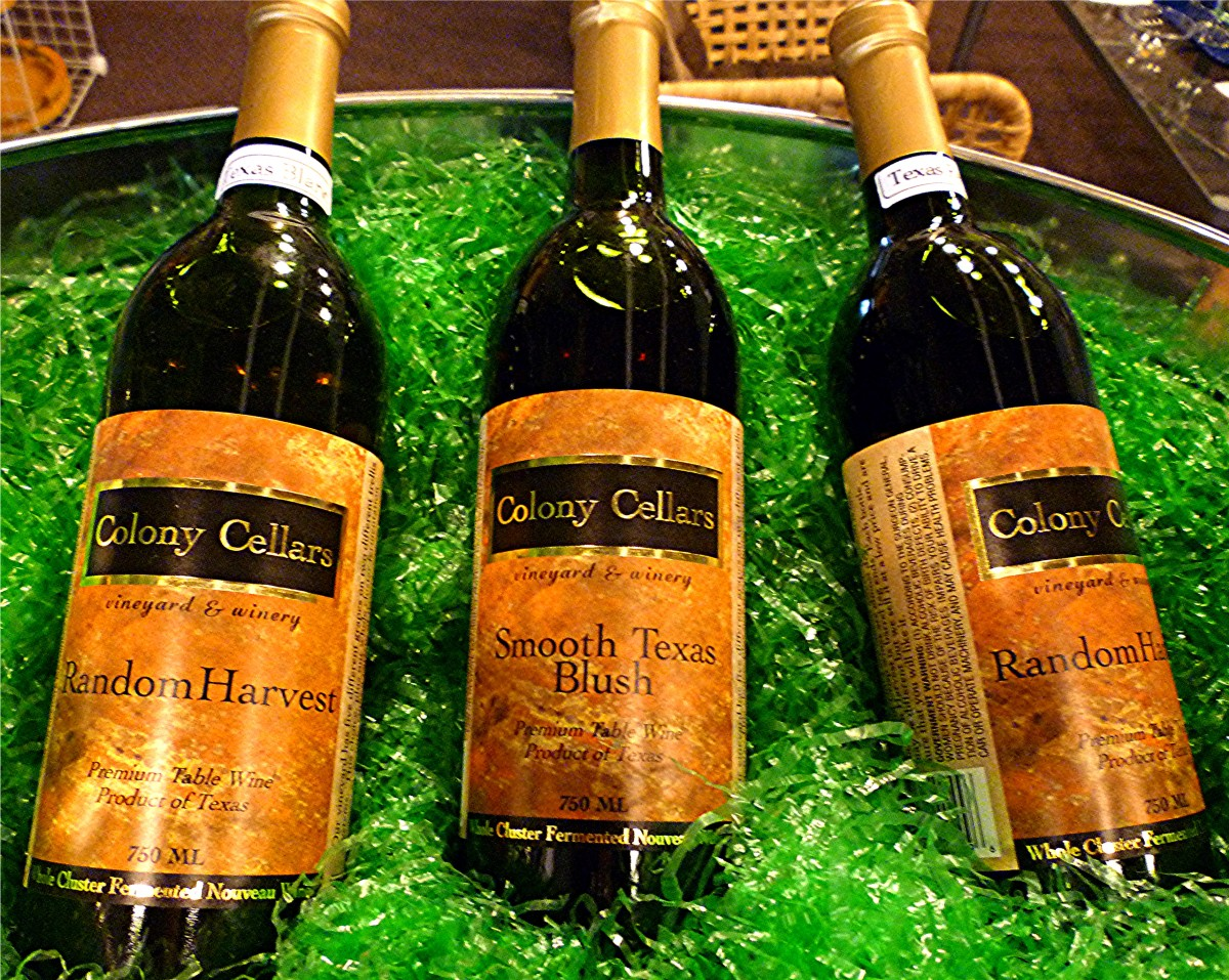 Bottled wines from Colony Cellars Winery