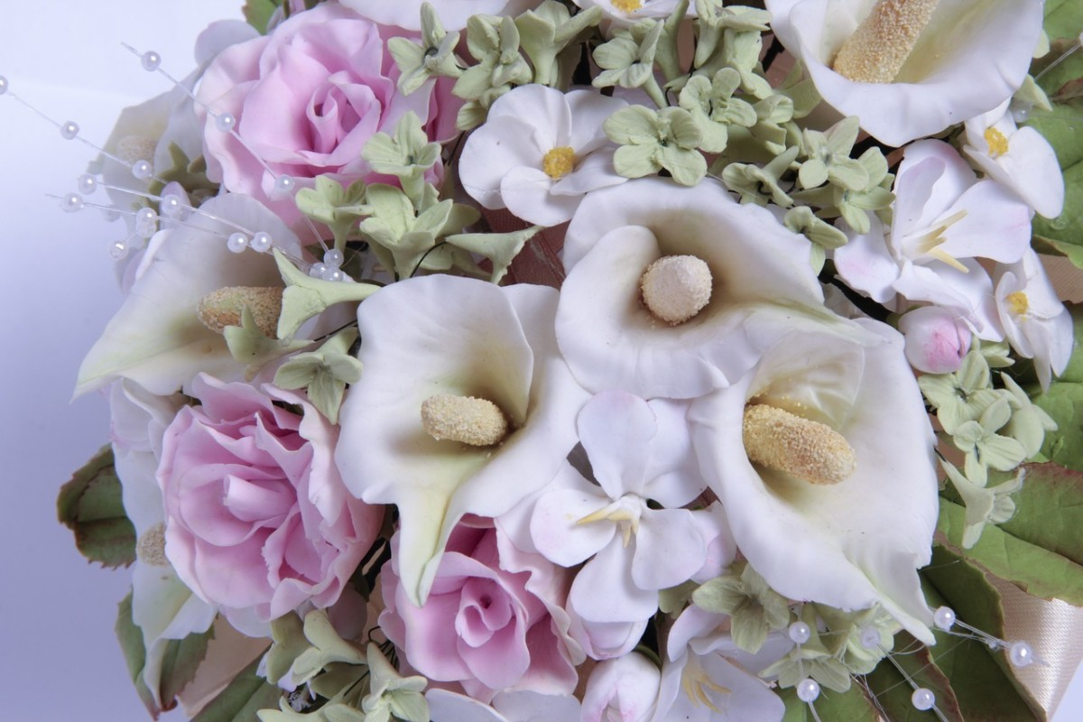 Calla lilies are popular bridal flowers.