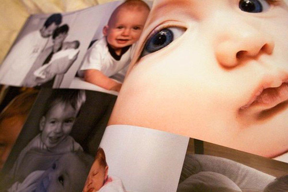 Photo album of her beloved and cute  grandchildren will surely make mom happy.