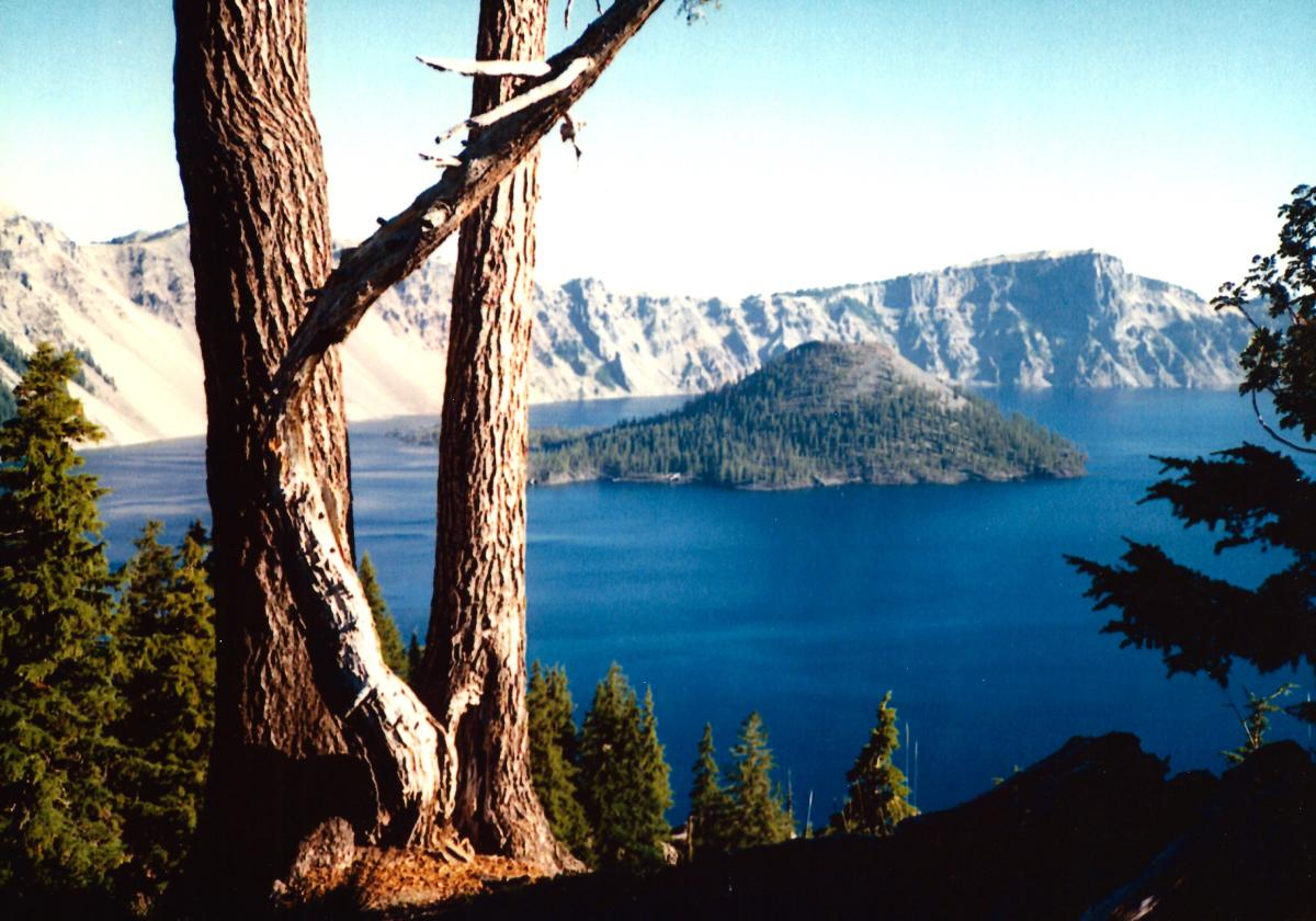View of Crater Lake and Wizard Island