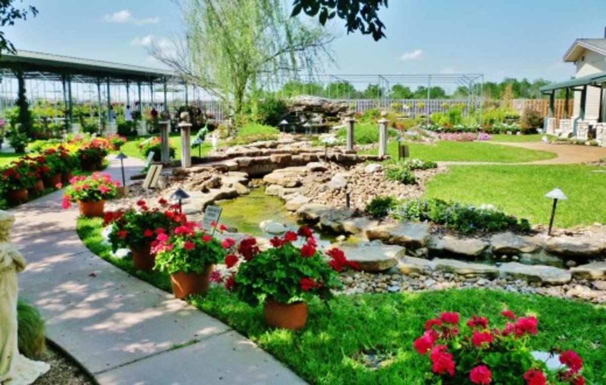 Brookwood Community landscaping