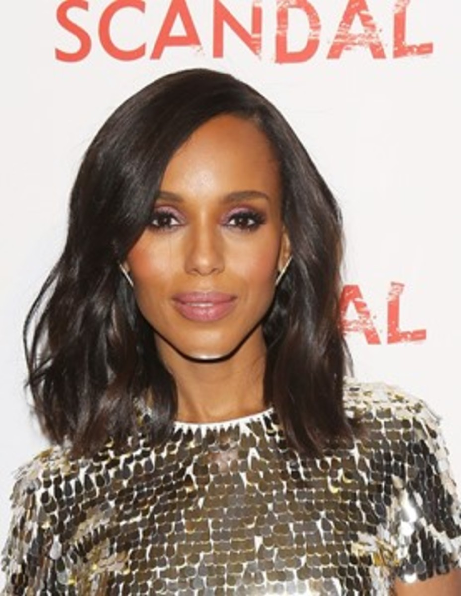 Kerry Washington with a lob haircut featuring loose waves.