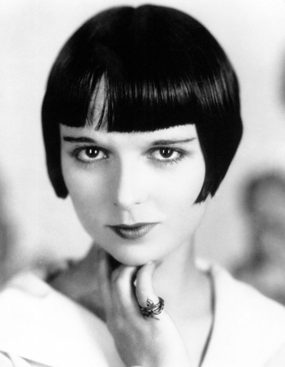 """Film star Louise Brooks with the original """"bob"""" hair style in the '20s."""