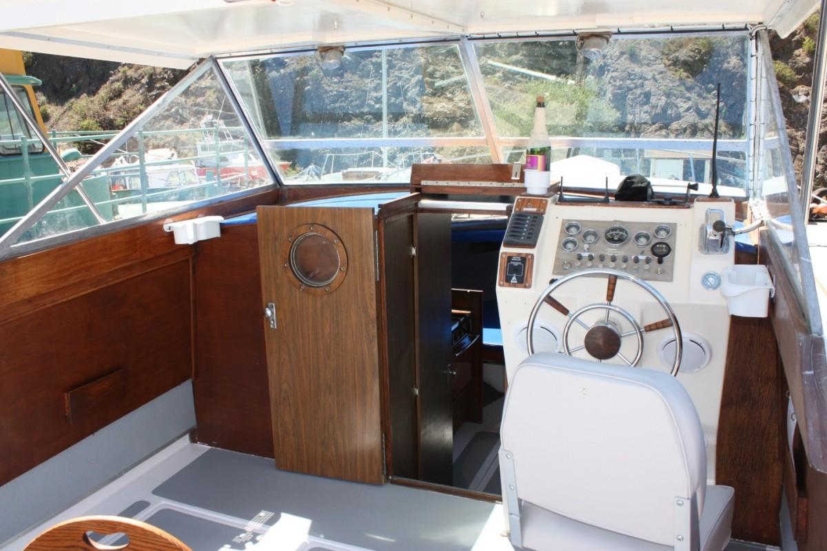 Glenda Fae - 28 ' Cabin Cruiser