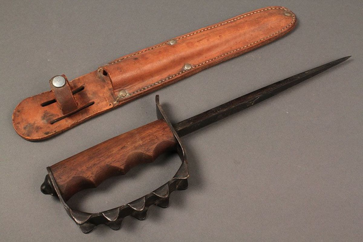 The M1917 trench knife.