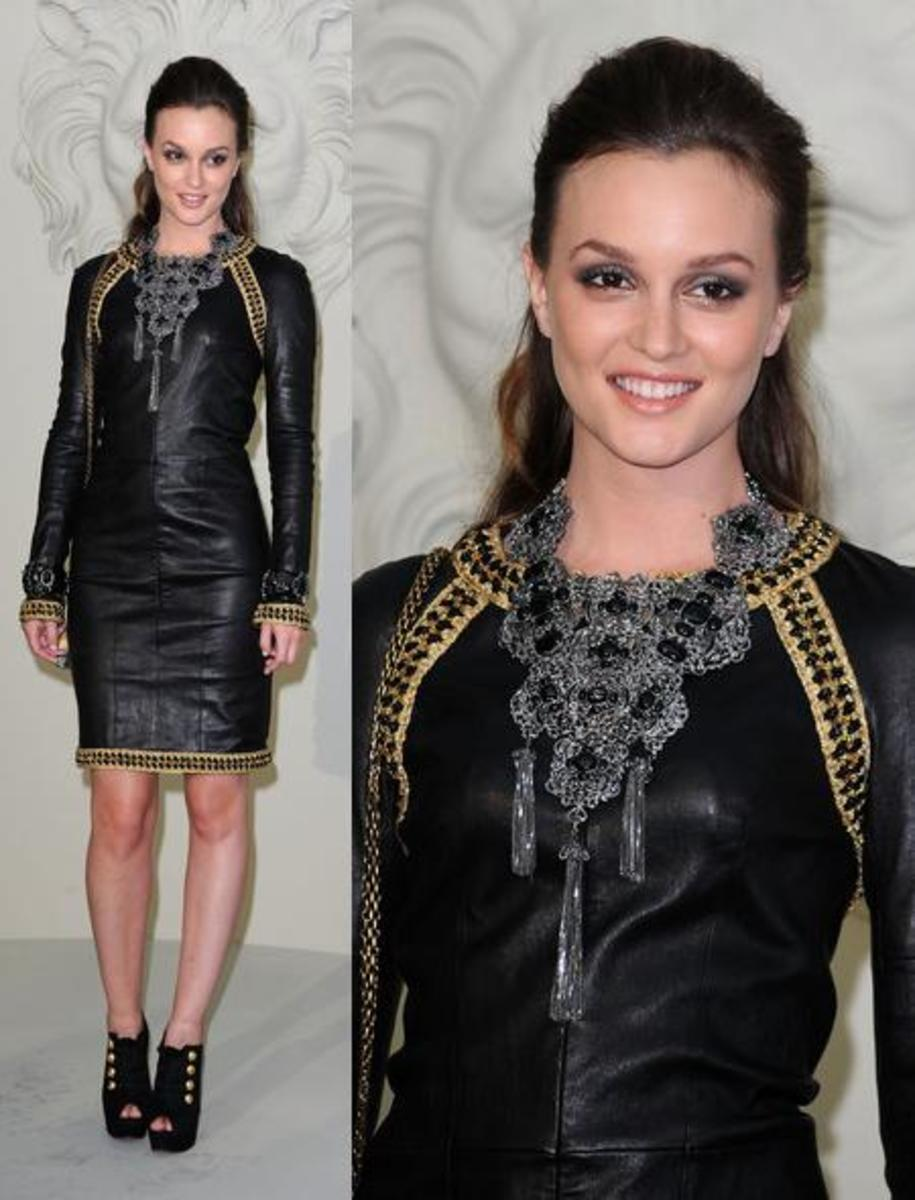 Leighton Meester's oversized bib necklace certainly makes her LBD look gorgeous