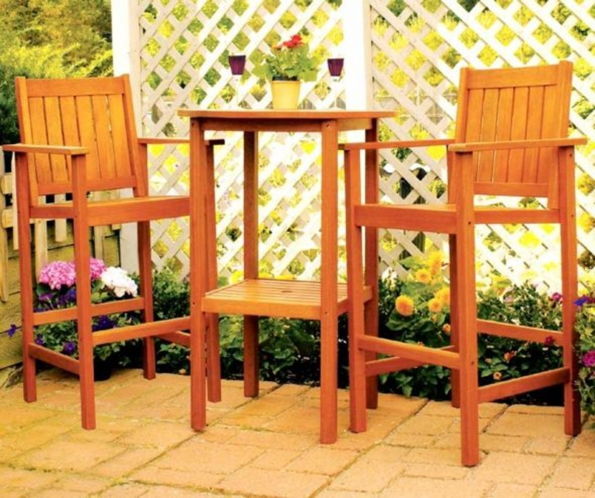 The Tall Patio Table Set