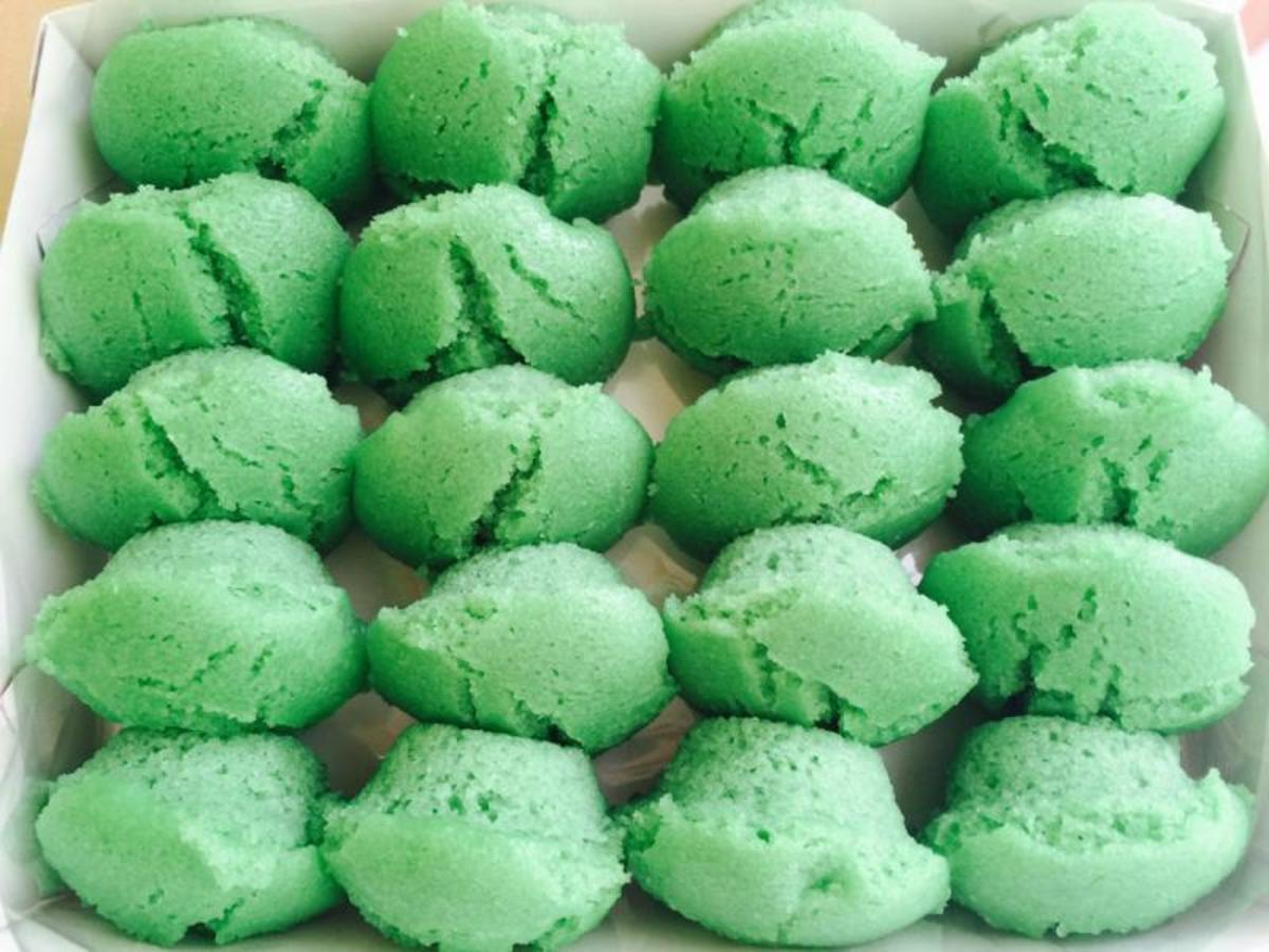 Delicious pandan flavored rice cakes