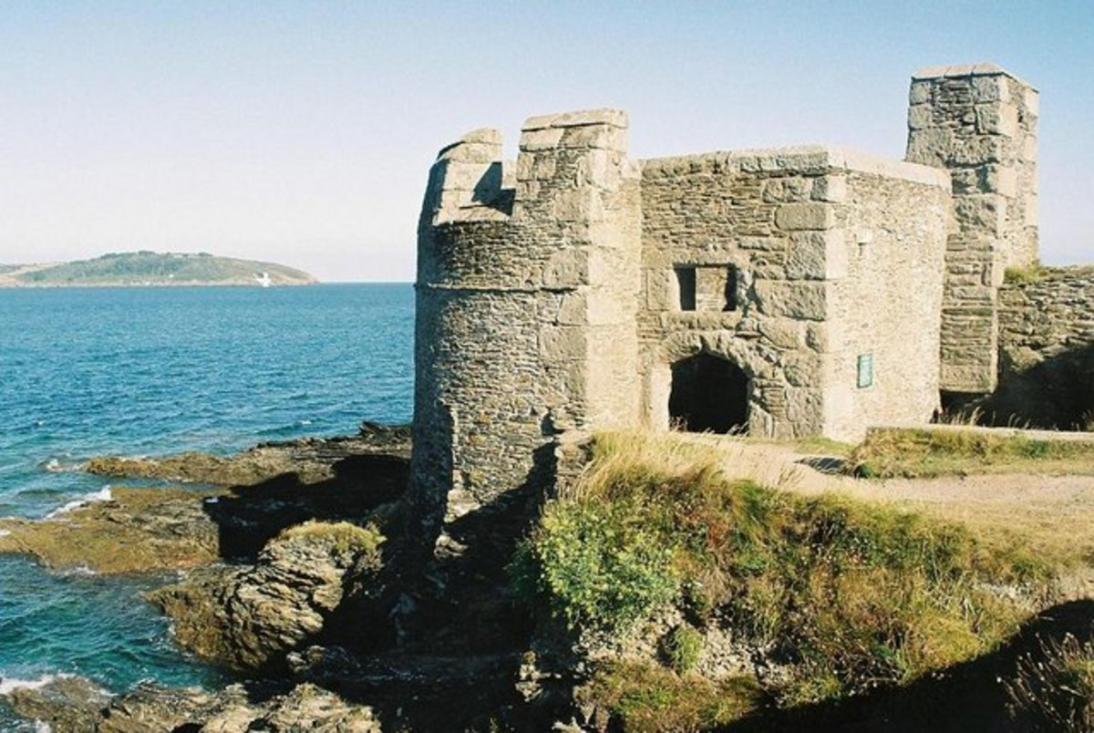 Castles in Cornwall: Pendennis Castle, Falmouth, Cornwall.      CC BY-SA 2.0