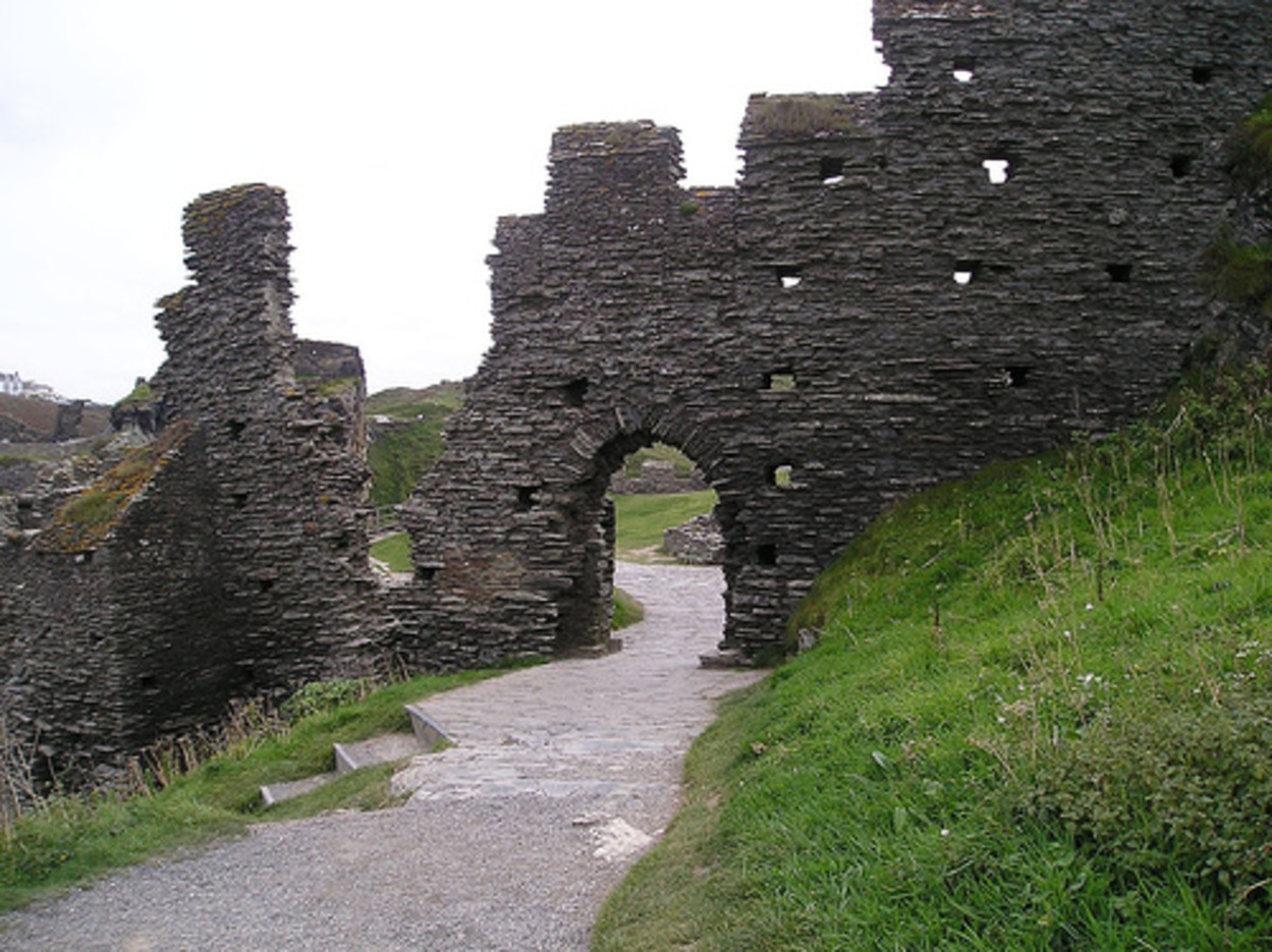 Castles in Cornwall: Tintagel Castle, the ruins of King Arthur's Castle.