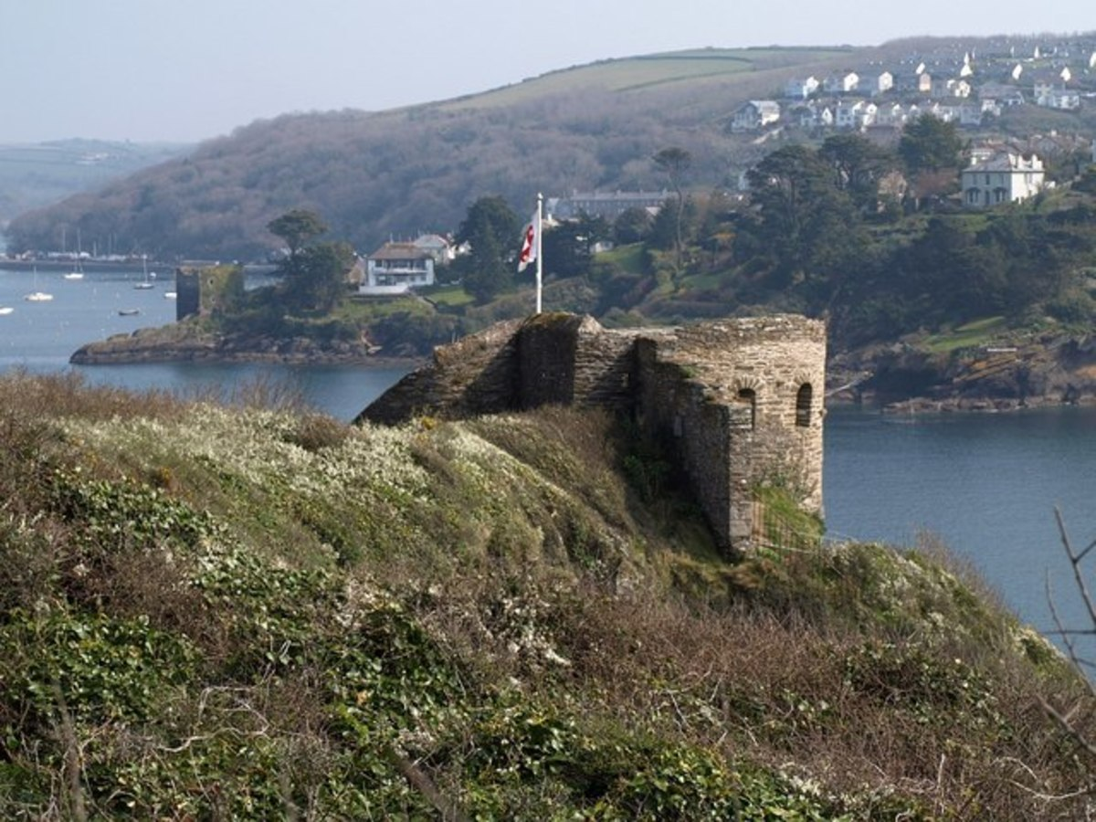 Castles in Cornwall: St Catherine's Castle.    CC BY-SA 3.0