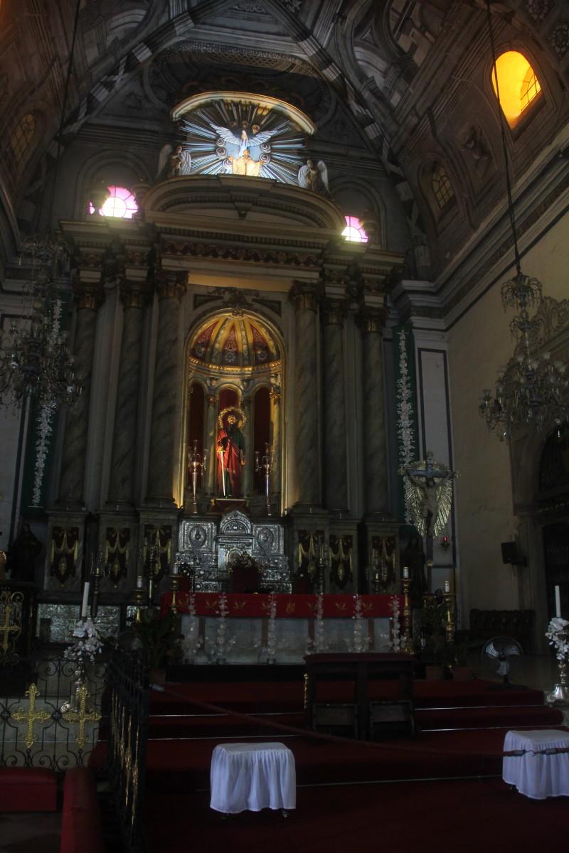 Altar section of San Agustin Church (Photo by the author)