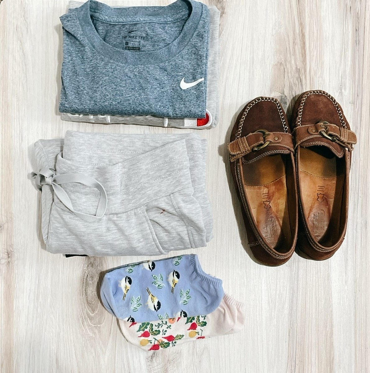 For a long-haul flight, I carry extra clean shirts and pants so I can change after 5–6 hours on the flight. As soon as I'm seated, I will change my sneakers to flat shoes or fresh socks.