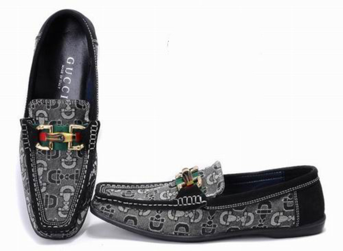 The Famous Gucci Loafer Top Fashion Designers
