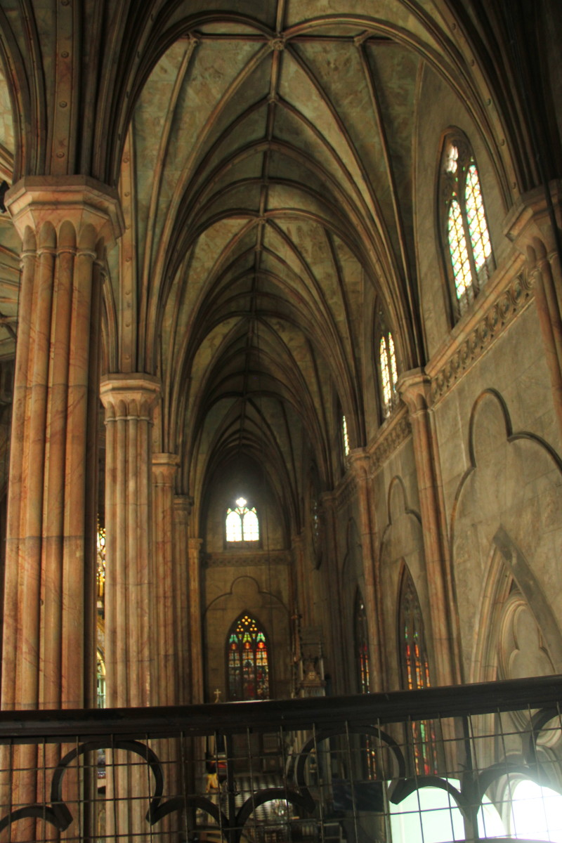 I you look closely, these feature pointed arches which are noticeable in Gothic buildings (Photo by the author)