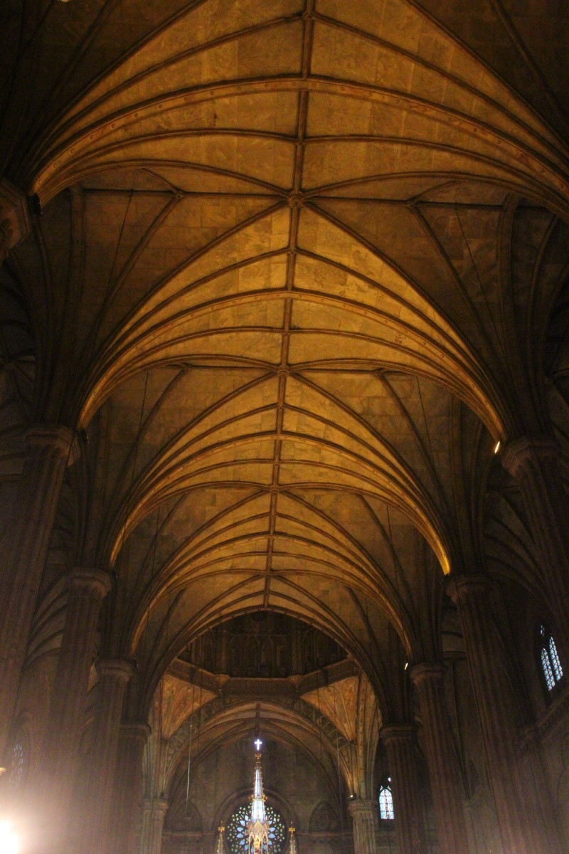 Ribbed vaults on the ceiling of San Sebastian Church (Photo by the author)