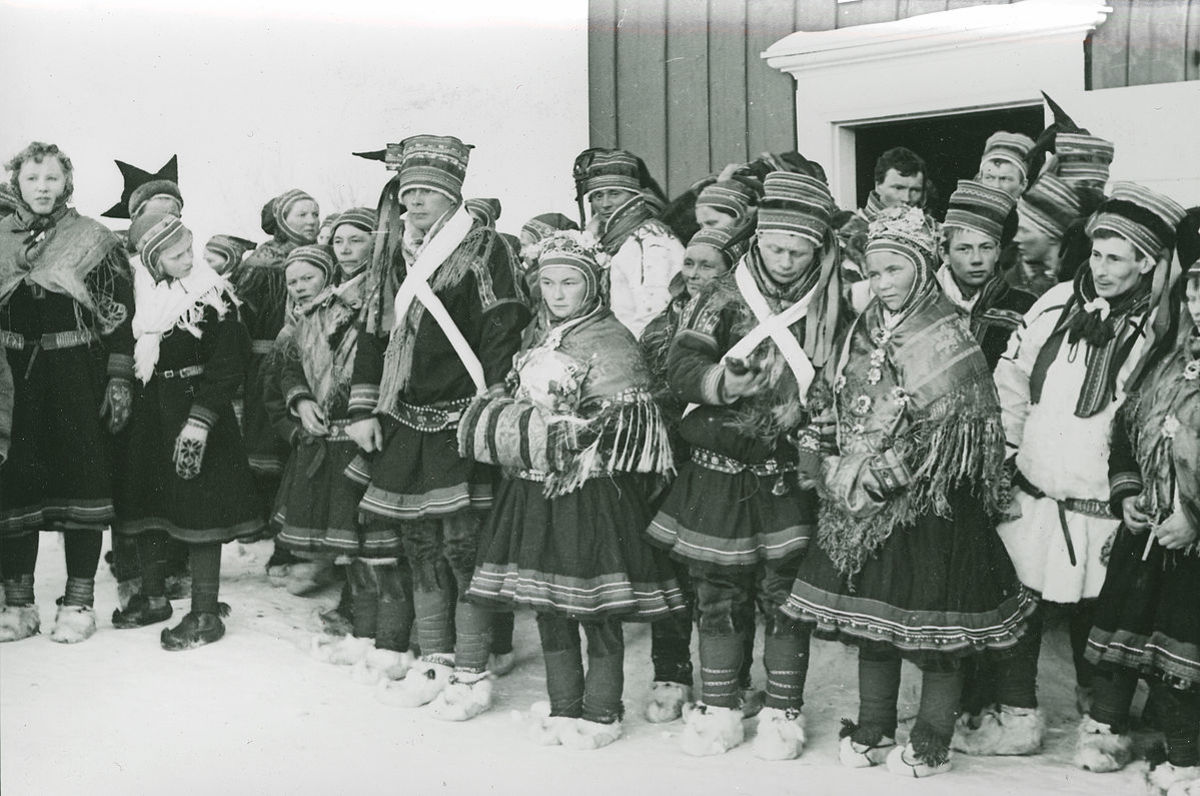 Sami in traditional costumes.