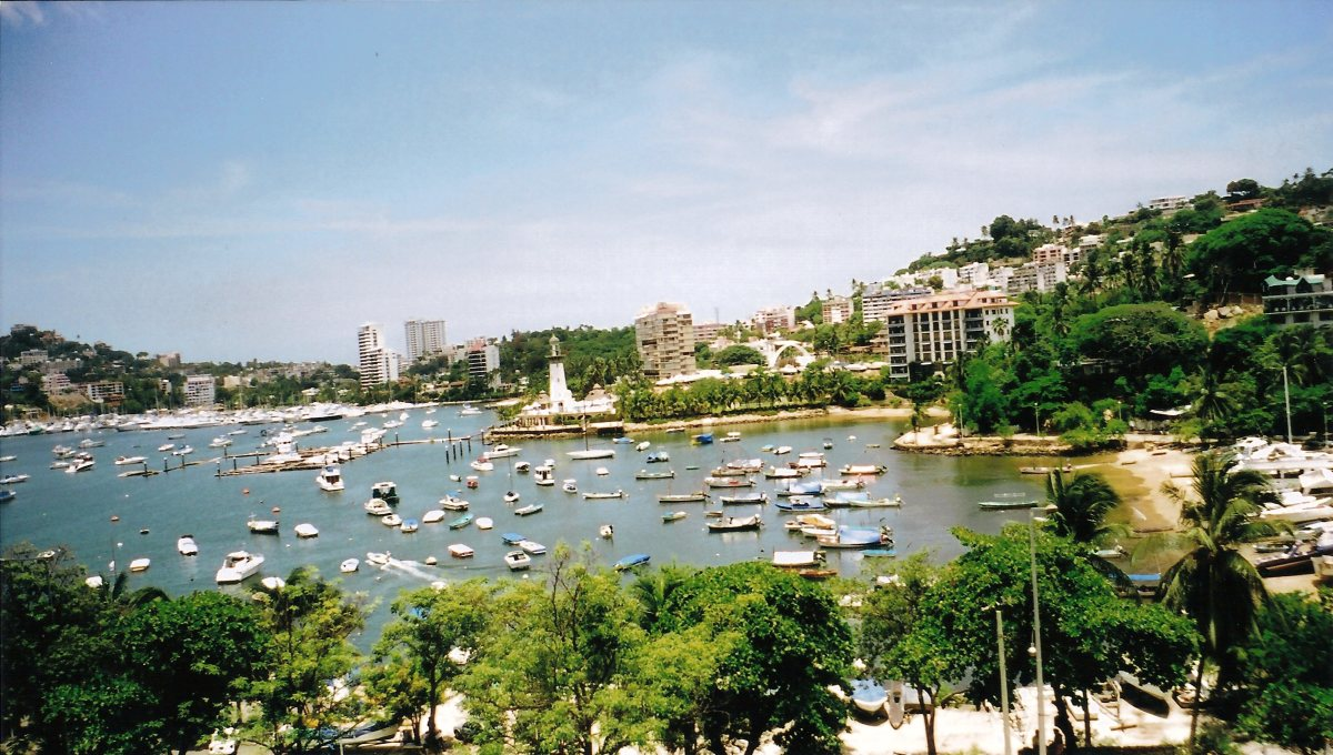 ACAPULCO HARBOR