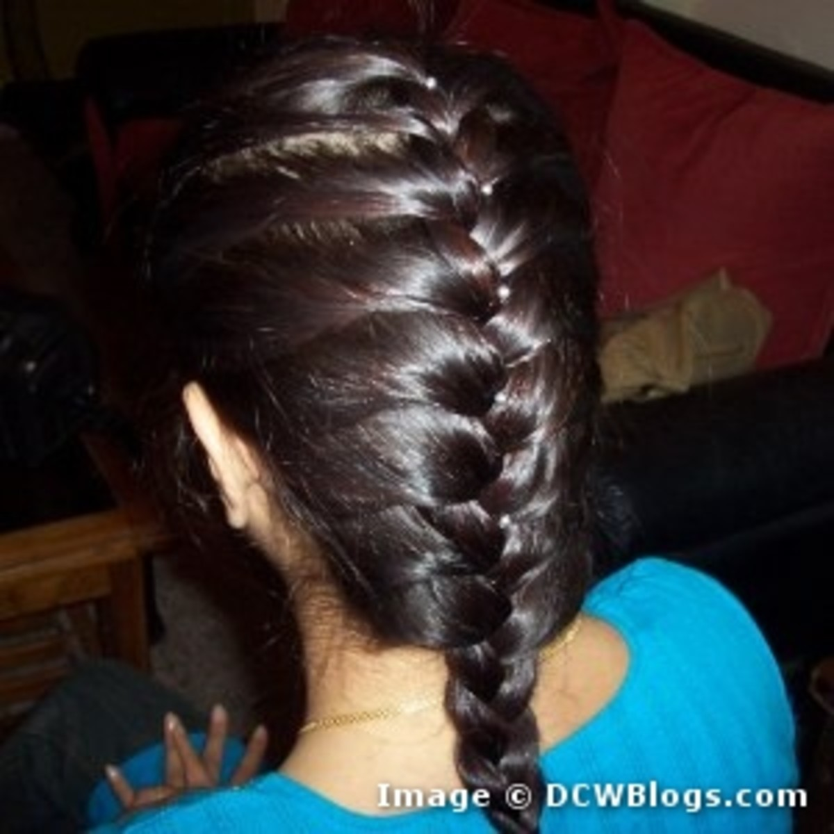 There is nothing more elegant than a braid in long hair.