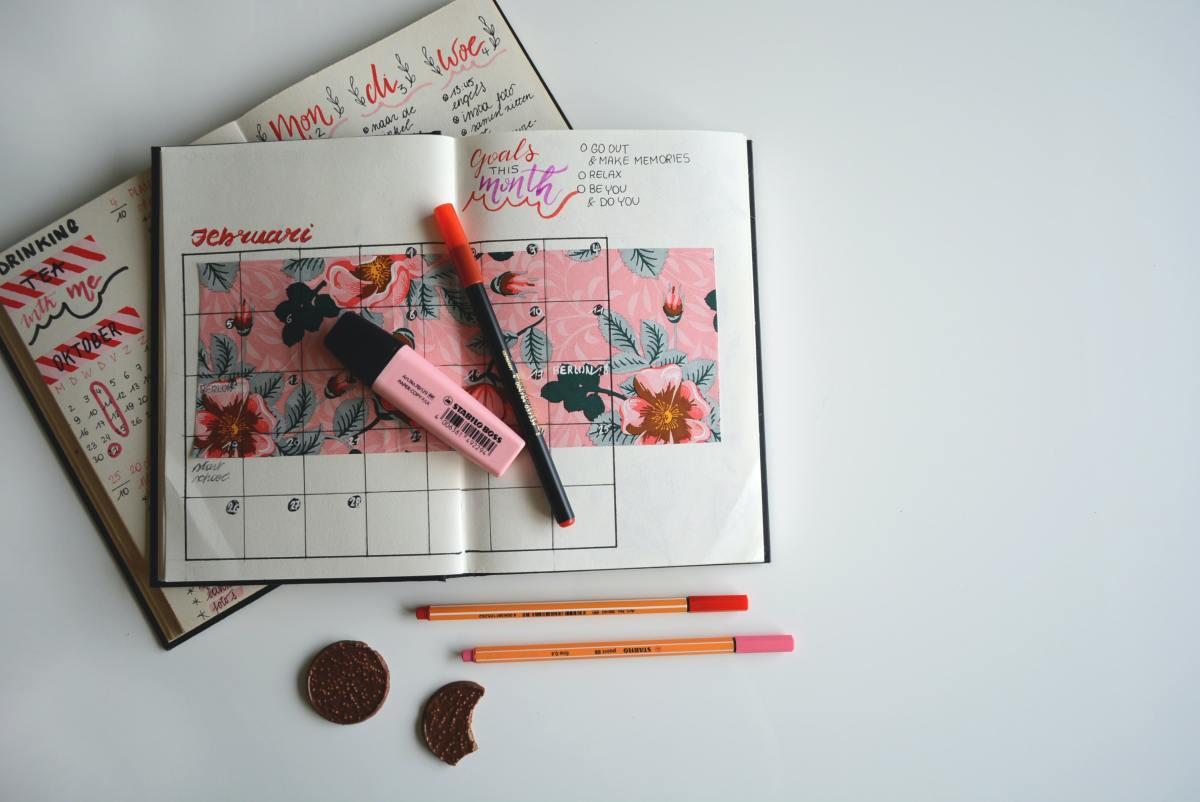 This rose-themed layout is nothing short of beautiful!