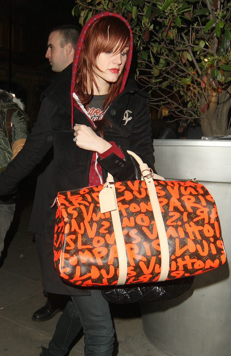 Ashlee Simpson with her Orange Graffiti.