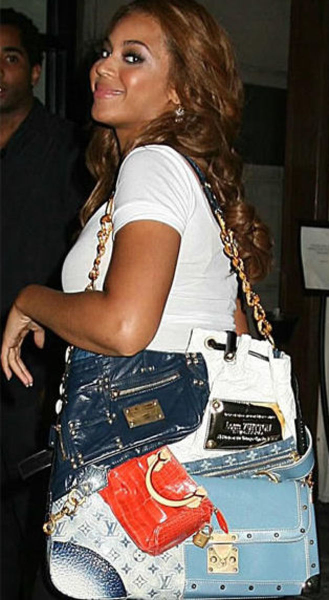Beyonce wtih her $42,000 patchwork bag!