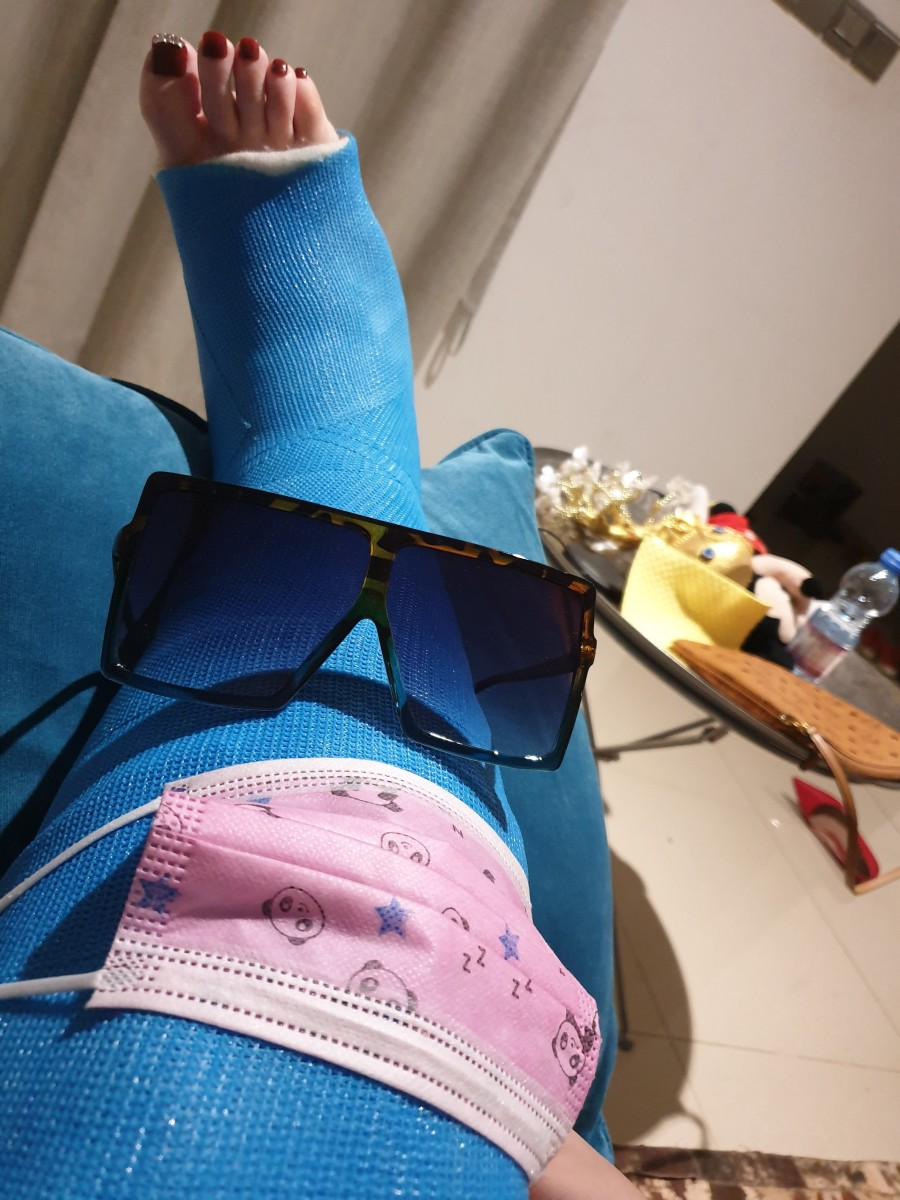 things-you-need-with-a-fractured-knee