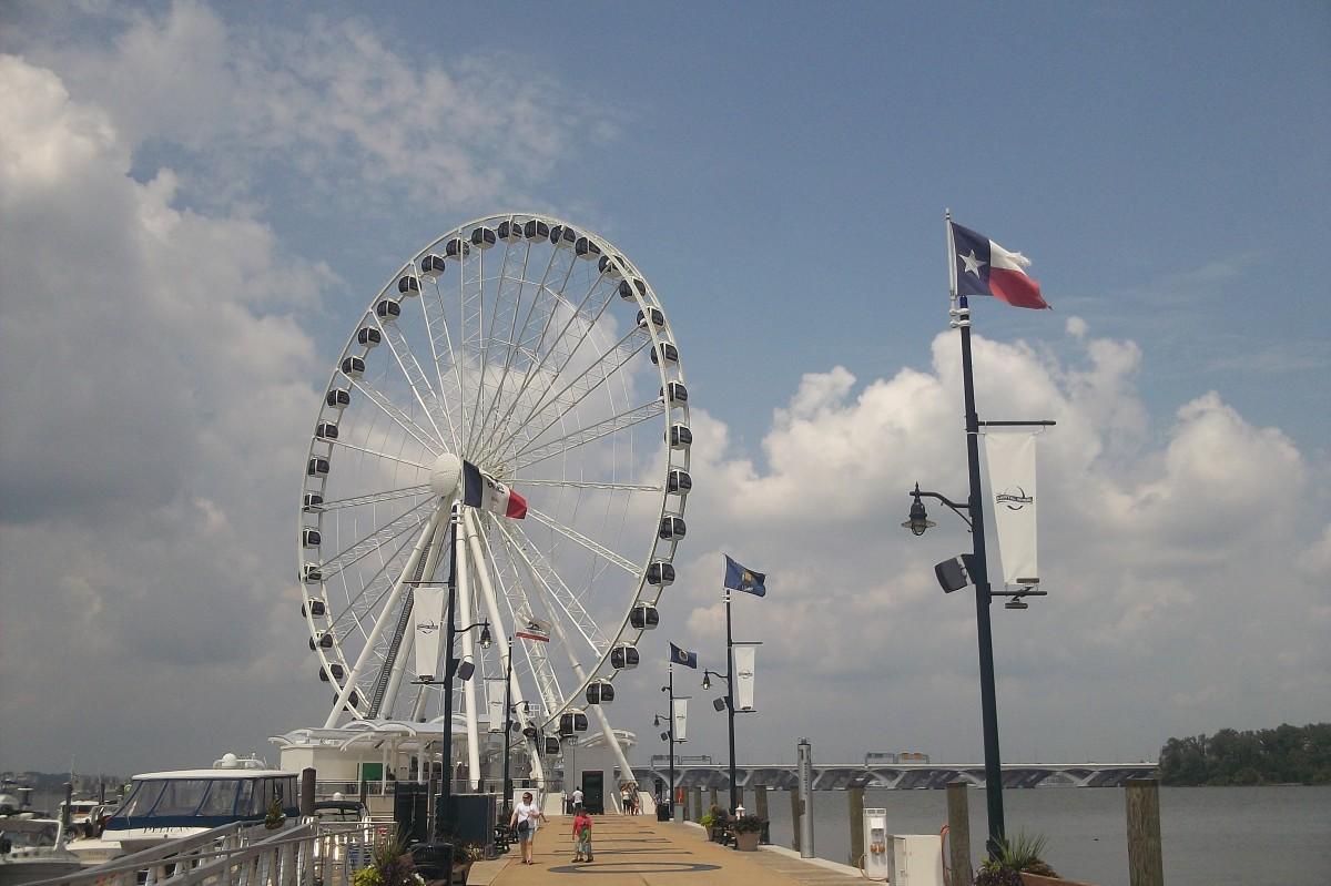 Ferris wheel on the water