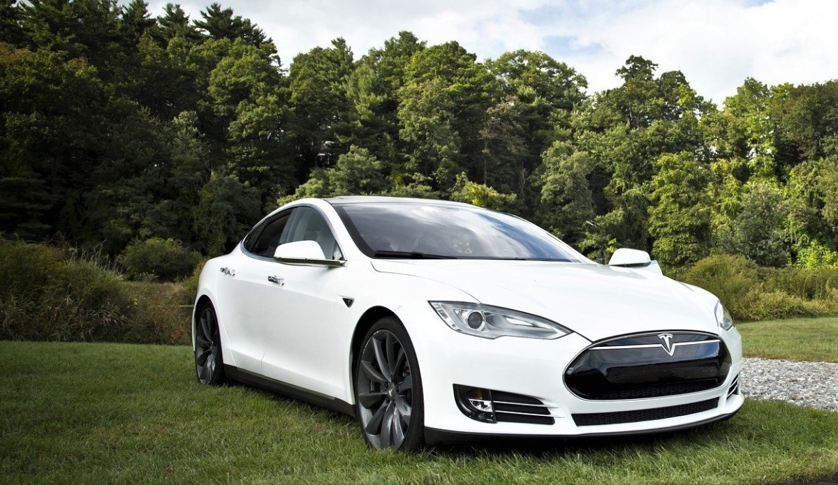 The goal that Tesla had was to design 500,000 electric vehicles per year.
