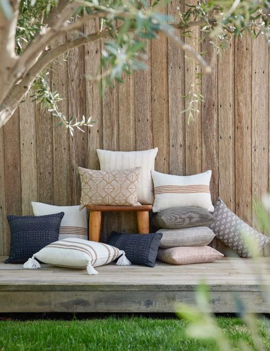 With the pillows, add a splash of recycled cotton pillows to your favorite rooms. It's suitable for spare, space-saving pillows for outdoor seating or chairs because it's made of sturdy material.