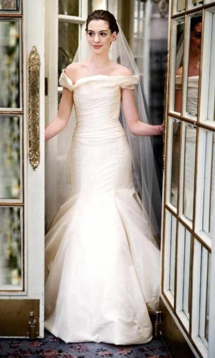Emma (Anne Hathaway) from Bride Wars