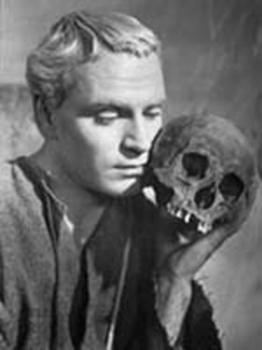 Image Courtesy  http://www.whatsonstage.com/images/res_images/LaurenceOlivier_Hamlet.jpg