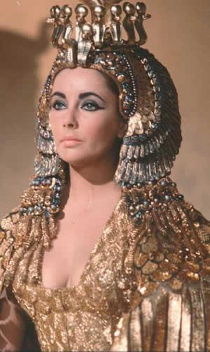 Image Courtesy  emeraldjewelry.wordpress.com/.../