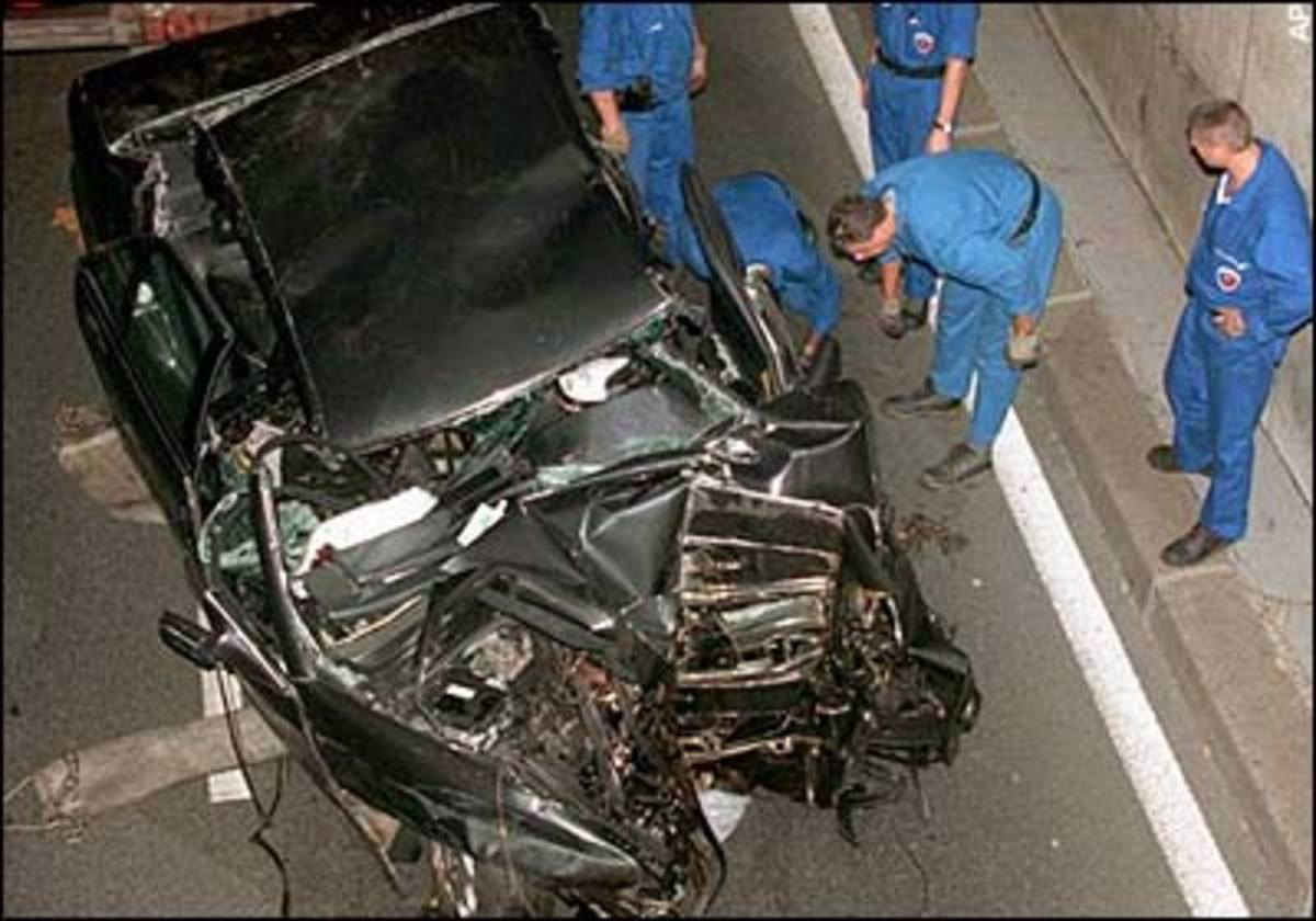 The crashed Mercedes in which Diana was travelling