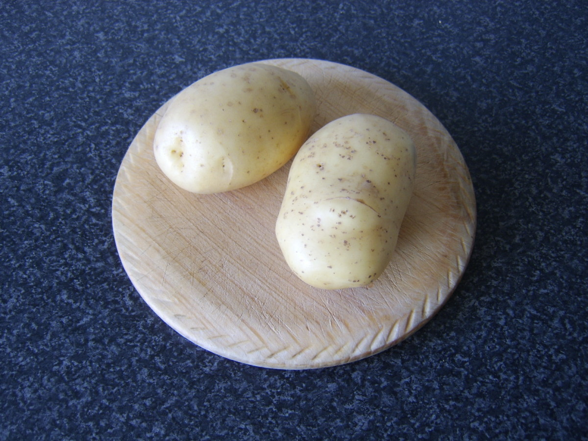 Potatoes suited to being baked in the oven are also perfect for making chips