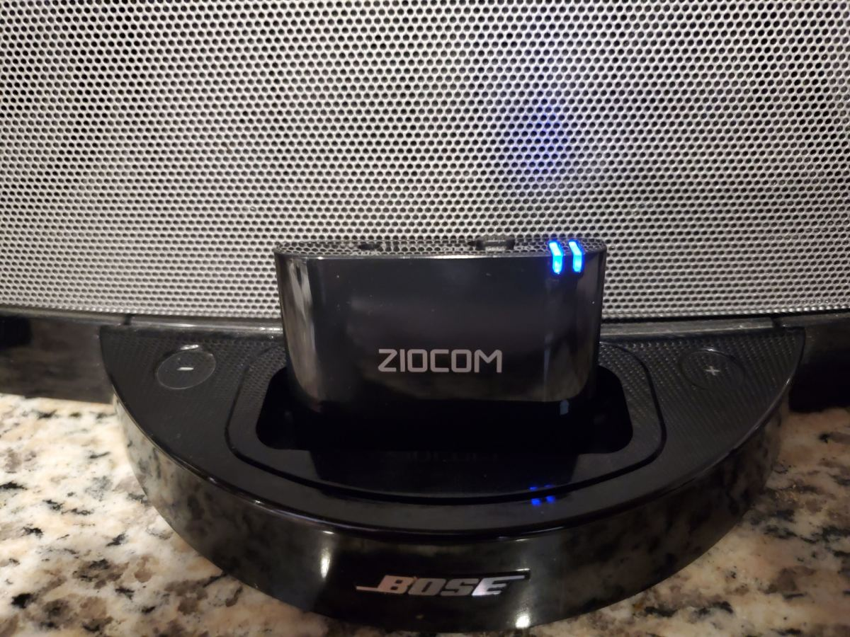 The ZIOCOM 30-Pin Bluetooth Adapter is compatible with some models of the Bose SoundDock and other 30-pin audio devices