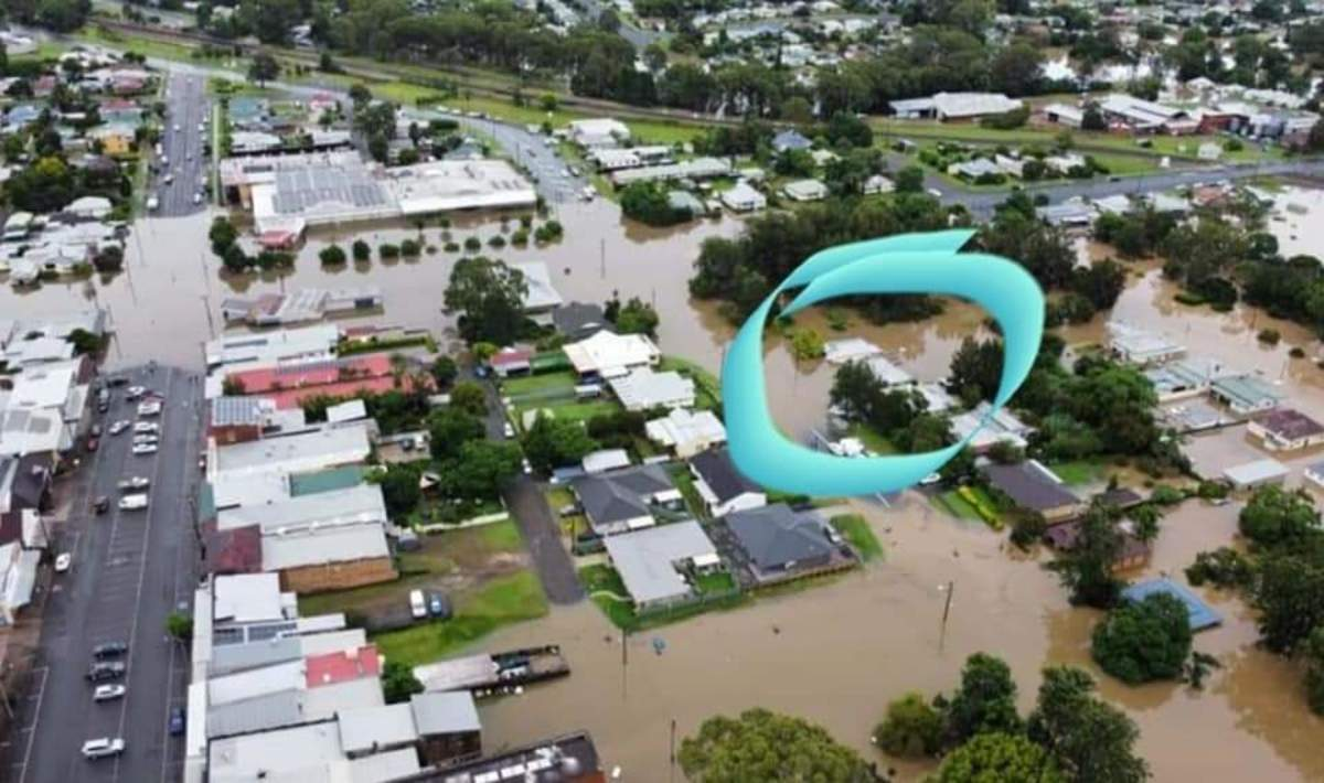 Houses under water at Wingham.