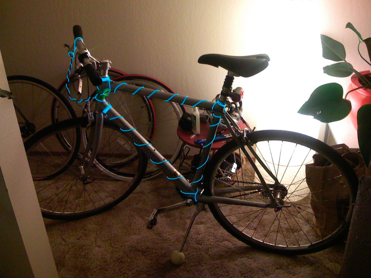 El wire wrapped bike to make it more fun and easier to see at night.