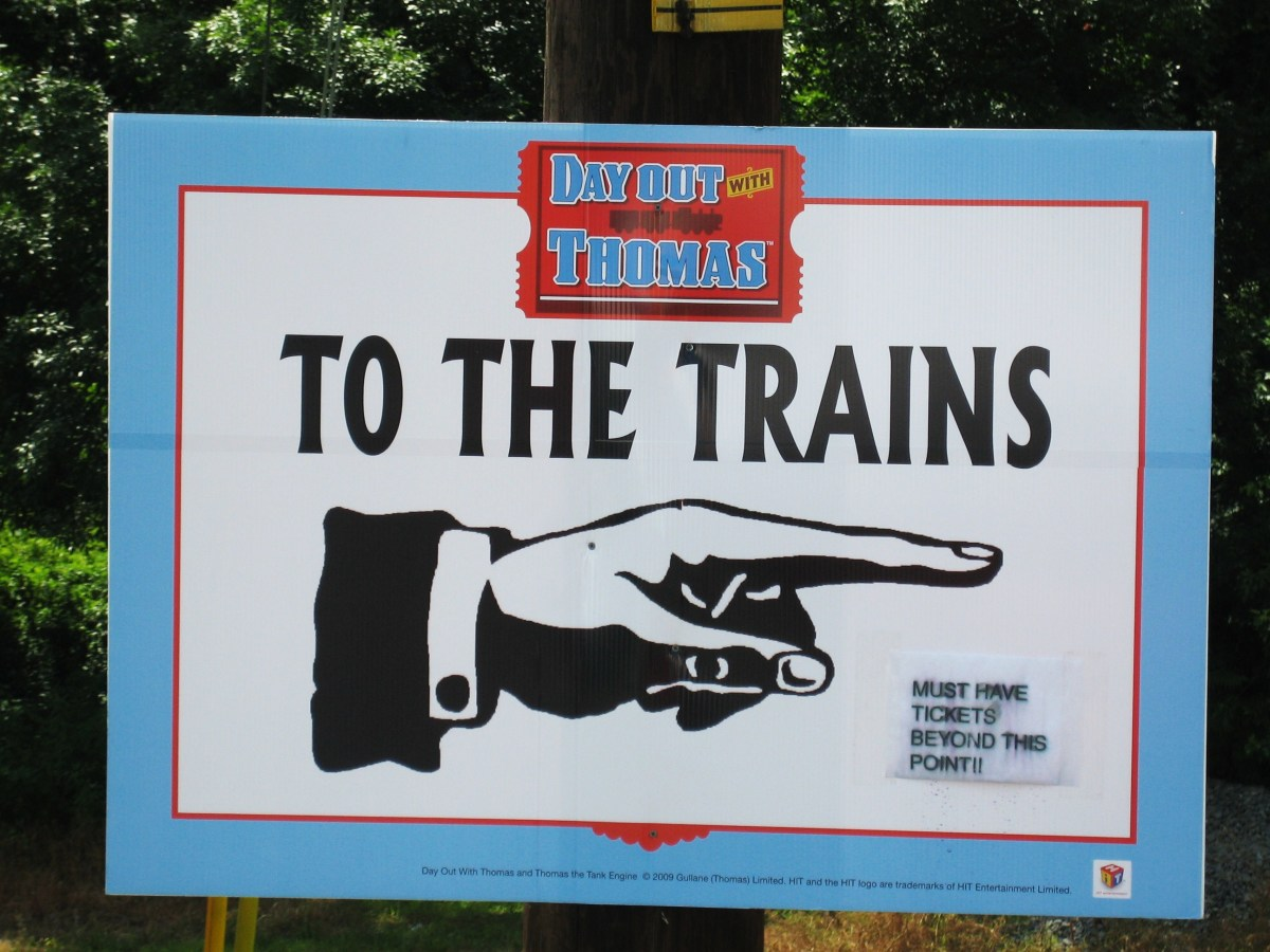 The sign directing us to the trains