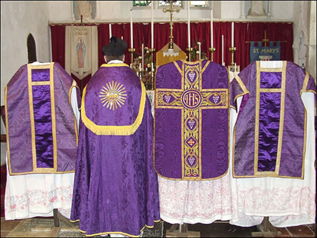 Purple Vestments  photo from: http://www.bbc.co.uk/threecounties/content/images/2007/02/07/vestments_high_mass_purple_470_470x353.jpg